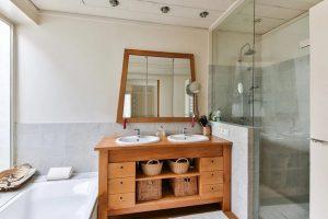 Choisir accessoires salle de bain